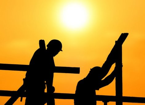 construction-workers-sun-hot-heat-001